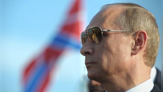 Rzeczpospolita: «Агрессивная игра» против Запада приносит Путину успех
