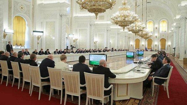 FT: Санкции развязали руки силовикам в российских коридорах власти