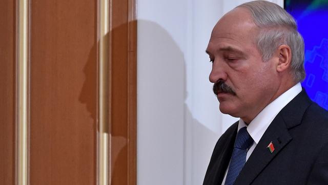 Эксперты: Лукашенко эксплуатирует миротворческую идею в своих интересах