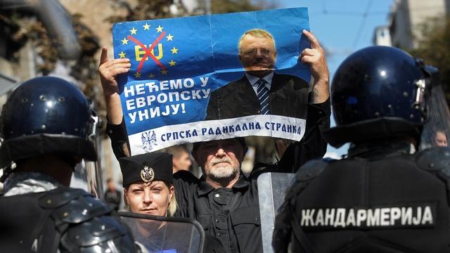 В ЕС забеспокоились, что Путин отберет у них Сербию