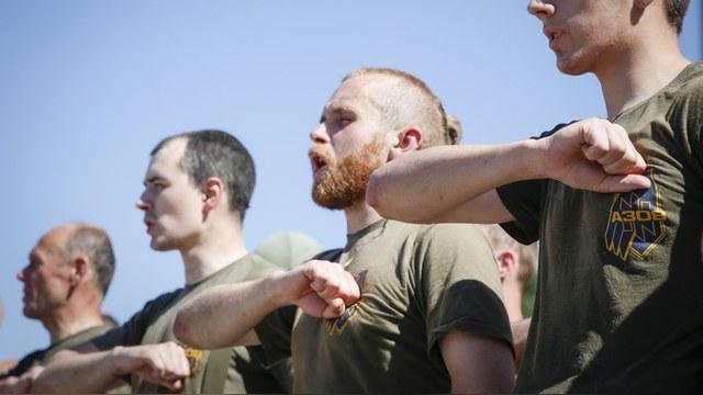 Американский блогер: В Донбассе воюют и гибнут кадровые офицеры стран Запада