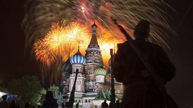Observator Polityczny: Россия без Запада обойдется, а вот он без нее - никак  — ИноТВ