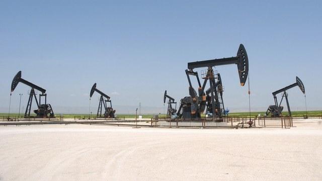 Telegraph: Москва бомбит Сирию, чтобы взвинтить цены на нефть — ИноТВ