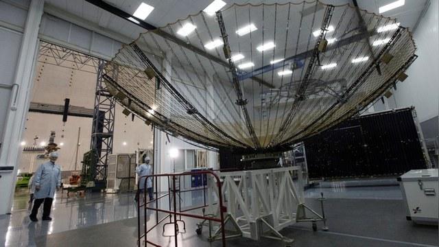 Space News: «Ненормальный» российский спутник напугал Пентагон
