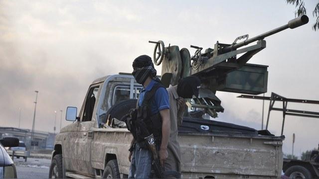 ASuR: Американцы годами вооружали ИГ «пропавшим» оружием