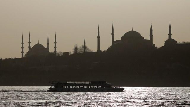 Welt: Турецкий туризм погибает без россиян, и европейцы этого не исправят — ИноТВ