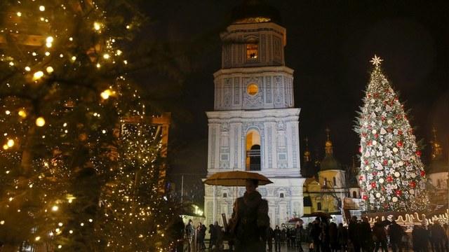 Корреспондент: Турчинов предложил перенести Рождество на 25 декабря