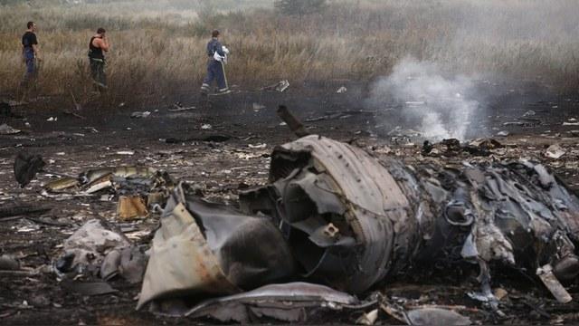 Семьи жертв крушения MH 17 требуют опубликовать данные радиолокаторов — ИноТВ
