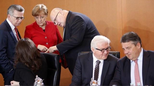 Der Spiegel: Берлин спасает единство ЕС закулисным планом по смягчению санкций — ИноТВ
