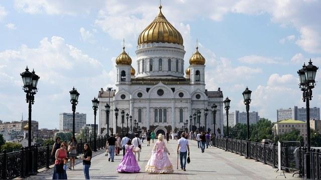 Французская писательница: Вместо «мягкой силы» у России – купола и сильный лидер