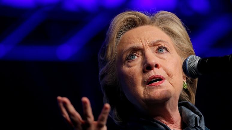 CM: За образом российского врага Клинтон скрывает свои преступления