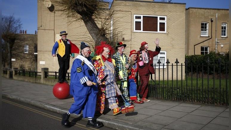 В Великобритании клоуны набрасываются налюдей: российское посольство предупреждает