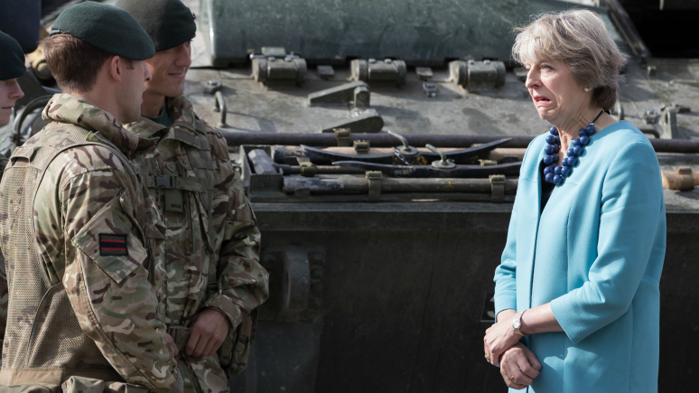 Daily Mail: Британская армия показала мощь с помощью голливудских спецэффектов