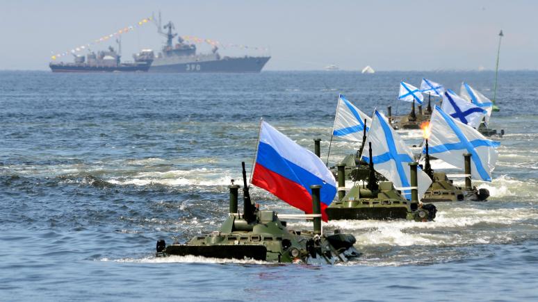 Юмористы France Inter представили, как Путин оккупирует Францию и станет императором