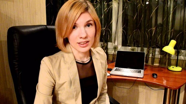sekretarsha-v-avtobuse-ginekolog-okazalas-lesbiyankoy-seks-roliki