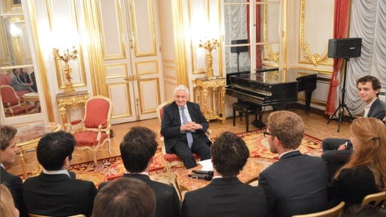 Le Monde: Российский «царь» в Париже знает все правила и не допускает ошибок