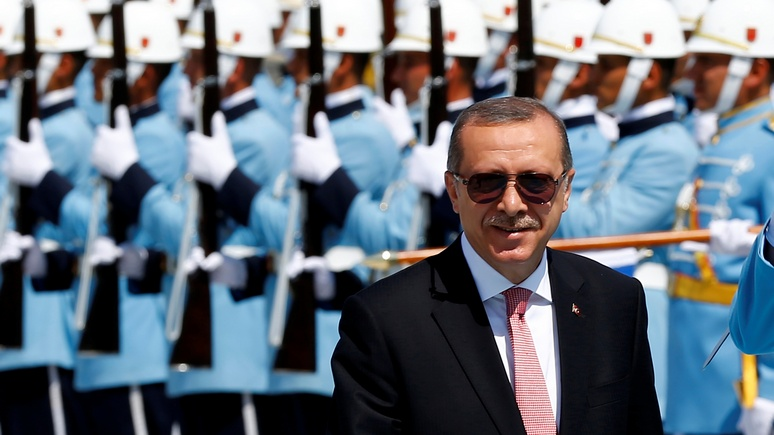 Турция заменяет «прозападных» офицеров «пророссийскими»