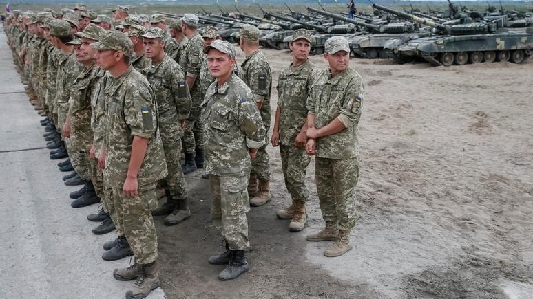 Independent: Лондон продолжит готовить украинцев к войне до 2018 года