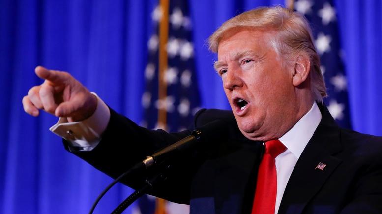 Hill: Трамп отчитал корреспондента CNN, назвав канал фейковыми новостями