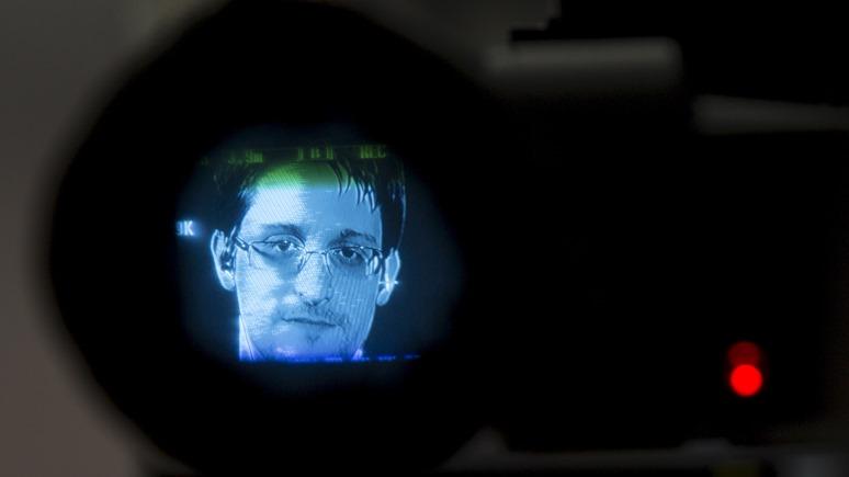 Экс замглавы ЦРУ: Путину стоит поздравить Трампа с инаугурацией, «подарив» Сноудена