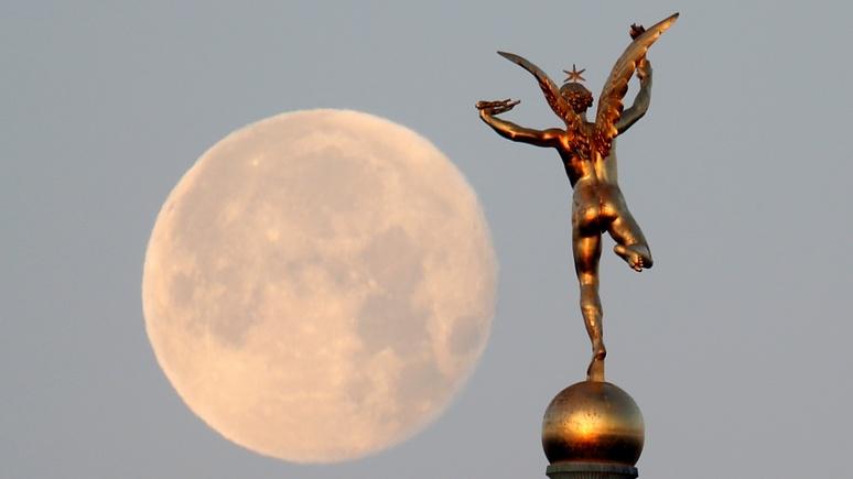 Российские учёные предложили отправить культурные ценности на Луну — Newsweek