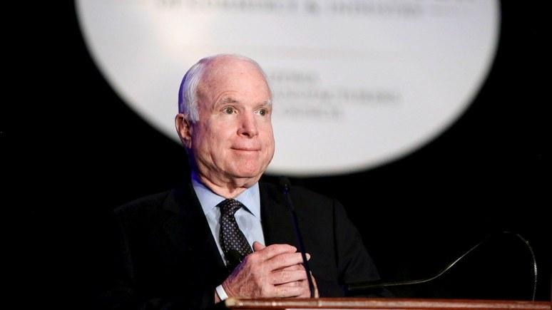 Маккейн пообещал затруднить Трампу процесс снятия санкций с РФ