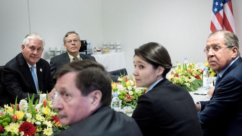 Bloomberg о «неловкой» встрече с Лавровым: Тиллерсон ещё не привык к посту госсекретаря