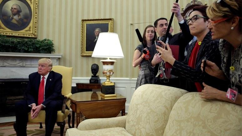 Опрос: большинство американцев выступают зарасследование связей Трампа сРоссией