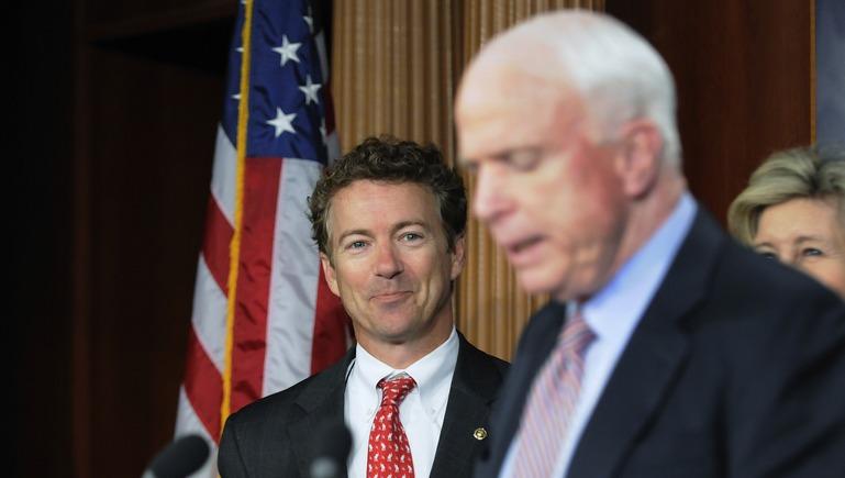 Daily Beast: Маккейн обвинил коллегу в «работе на Путина» за отказ расширять НАТО