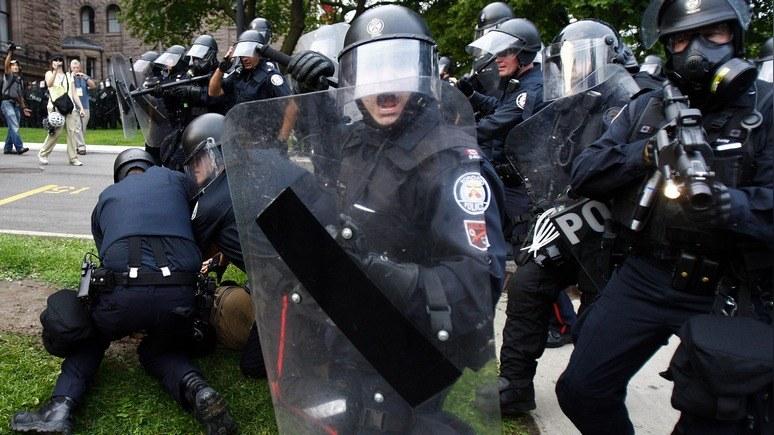 Укринформ: Канада обучит украинских полицейских самозащите