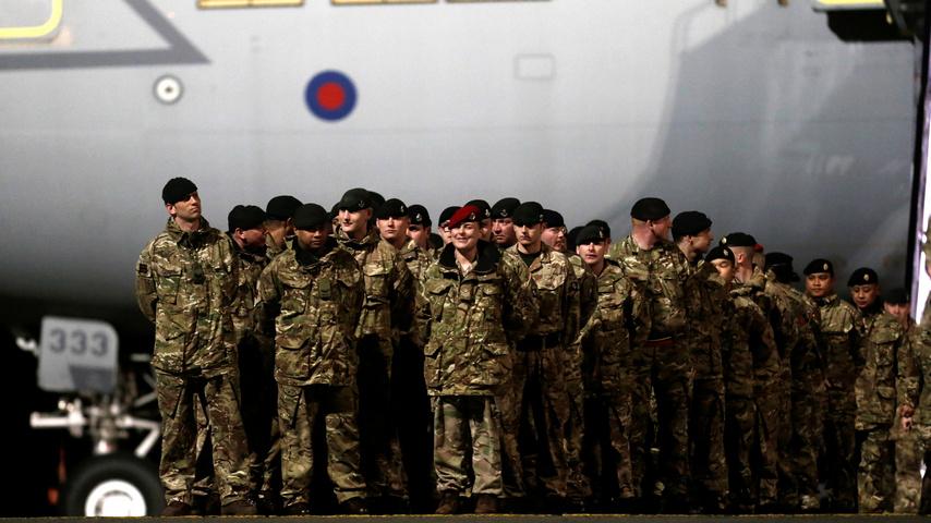800 британцев: воевать с Россией в НАТО не хотят, но успокоить Прибалтику нужно