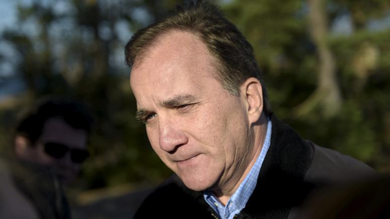 Премьер-министр Швеции пообещал защитить демократию от кибернападения России