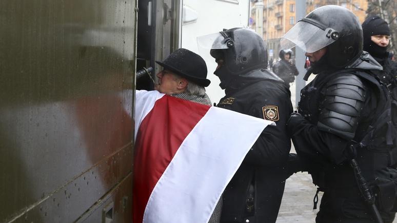 ND: разгон «тунеядцев» заставит Лукашенко повернуться к Москве