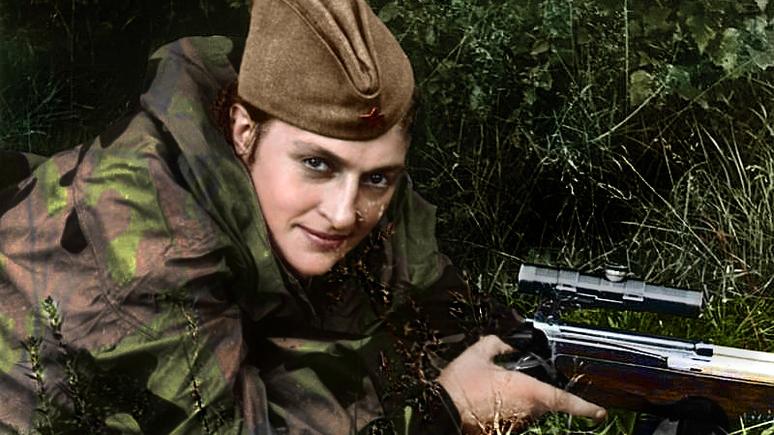DM: чёрно-белые портреты советских героинь обрели новую жизнь в цвете
