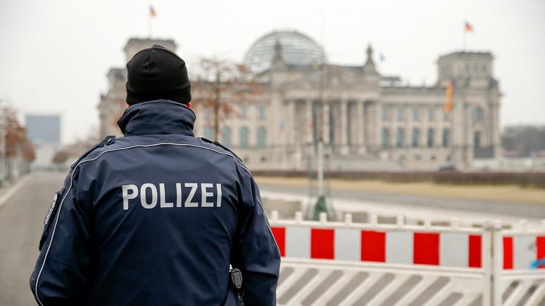 FAZ: после атаки на Клинтон и Макрона «те самые» хакеры взялись за немцев
