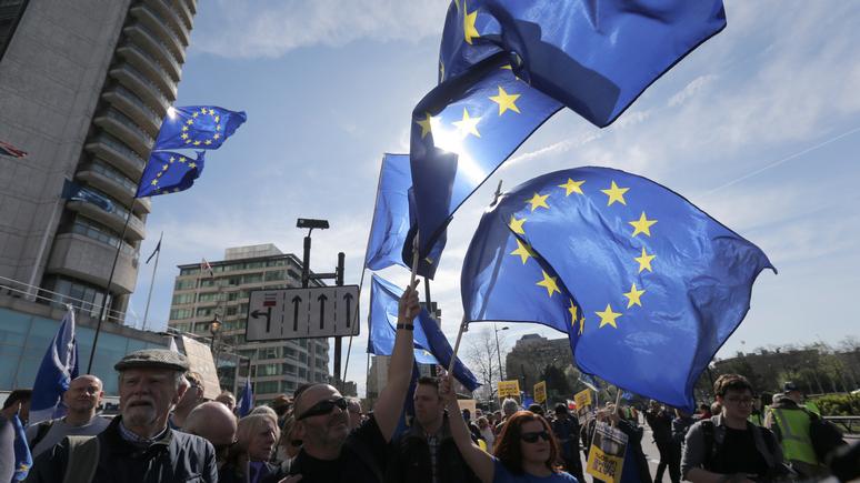 ИноСМИ: Hill: процветание ЕС грозит России «цветной революцией».