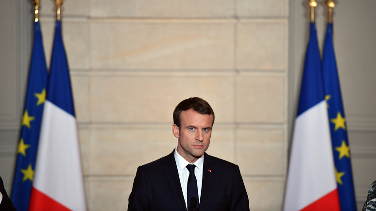Sunday Times: Макрон успешен во внешней политике, но дома его ждут неприятности