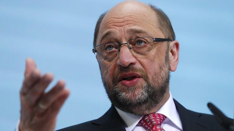 Шульц призвал Меркель лично пожаловаться Трампу наантироссийские санкции
