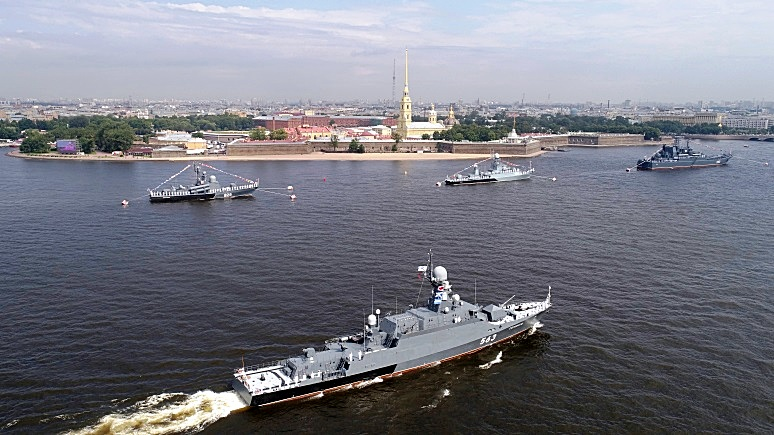 NI: желающим проверить боеспособность российского флота надо запастись спасательными плотами и лодками