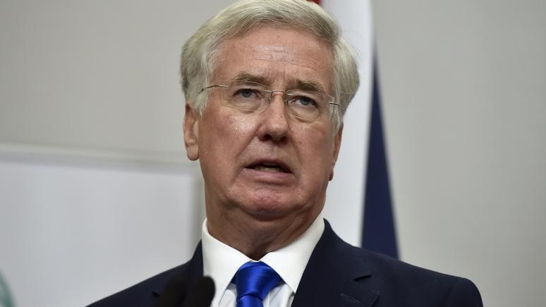 Times: главу Минобороны Великобритании отправили в отставку из-за сексуальных домогательств
