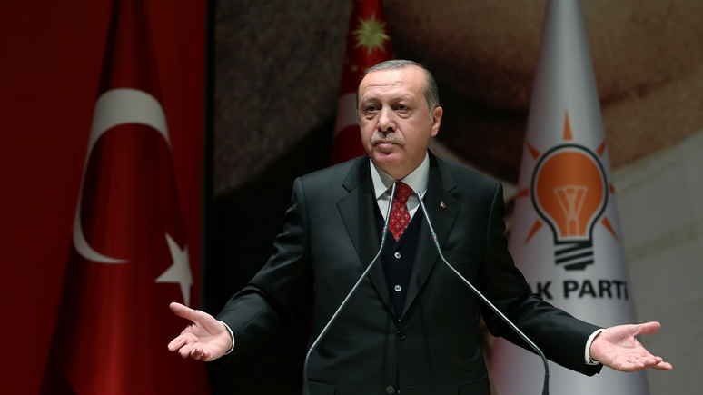 Hürriyet: Эрдоган угодил на «стенд врагов» НАТО и отозвал солдат с учений