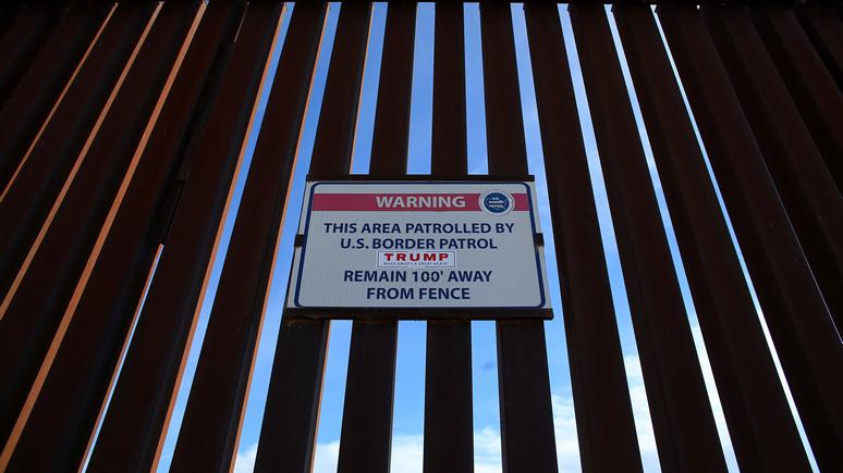 Le Monde: Берлинской стены давно нет, но «желание забаррикадироваться» снова в моде