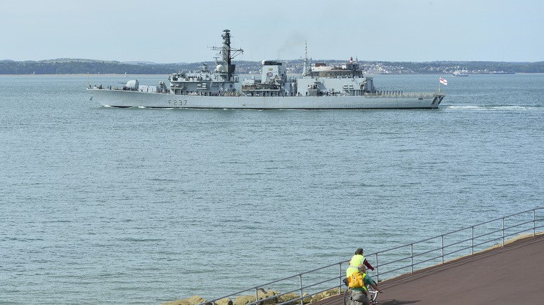 Telegraph: британский флот раскритиковали за «неправильное» сопровождение российского корабля