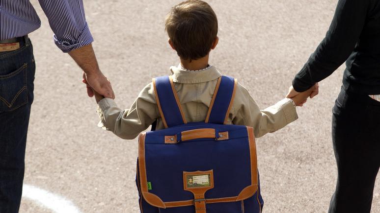 Le Figaro: растерянные французские родители отсылают своих детей в интернаты — ИноТВ