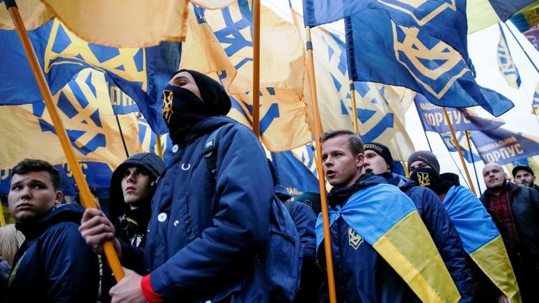 Guardian: международные наблюдатели бьют тревогу из-за роста национализма на Украине