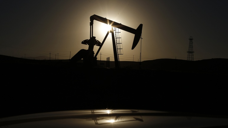 Bloomberg: для цен на нефть не так страшен удар по Сирии, как санкции против России и Ирана