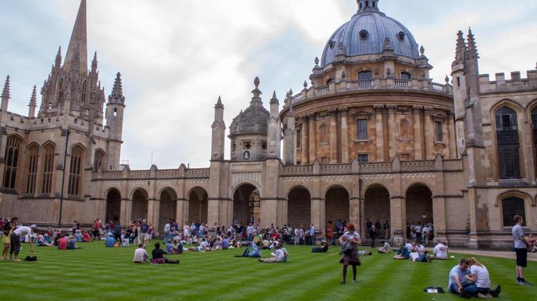 Times: Оксфорду и Кембриджу грозят штрафы за «недостаточное этническое многообразие»