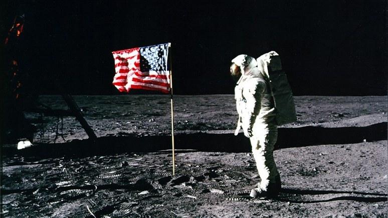 WT: фильм о высадке на Луну без флага США — пощёчина американскому обществу
