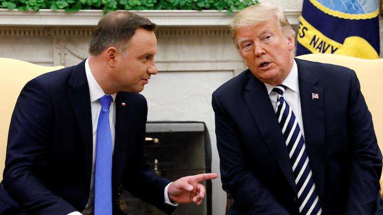 Rzeczpospolita: Дуда мечтает об американской базе в Польше под названием Форт Трамп