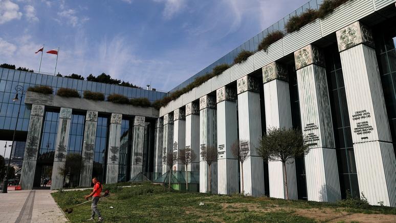 Focus Online: ЕС подаёт в суд на Польшу за реформу юстиции и отставку судей
